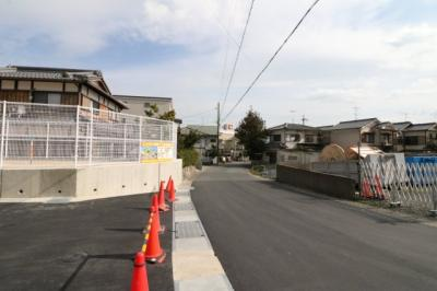 JR比叡山坂本駅まで徒歩約9分・京阪坂本比叡山口駅まで徒歩約13分