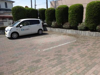 【駐車場】ハイツ鹿島C棟駐車場