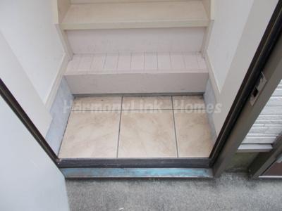 サークルハウス上板橋の収納もある玄関です☆