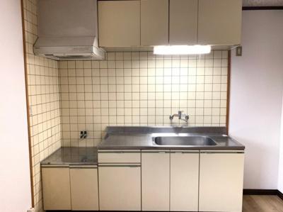 【キッチン】ヴィラ88