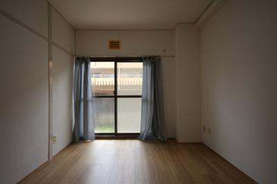 【寝室】ヴィラ本山