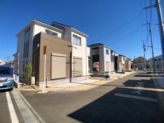第一種住居地域の閑静な住宅街で生活環境良好です。