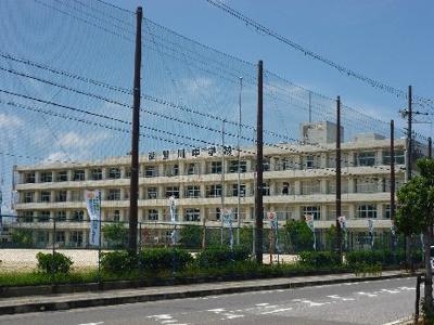 東近江市立能登川中学校(201m)