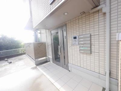 【エントランス】スプリングハウス