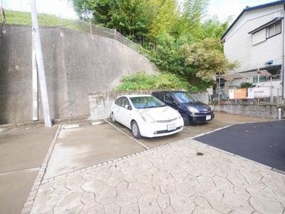 【駐車場】スプリングハウス