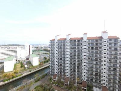 物件からの眺望です。 13階からの眺めは開放感抜群です。