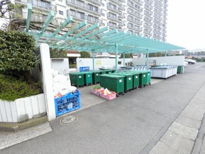 ゴミ置き場です。 敷地内にあるのでゴミ出しが楽ちんです。