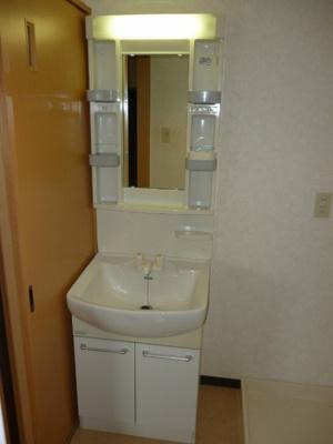 洗面化粧台で(^^)