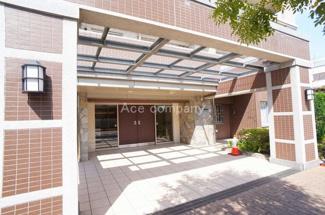 2WAYアクセスOK(大阪メトロ谷町線・JR関西本線)オートロック・宅配ボックス完備マンション。スーパー徒歩1分です。