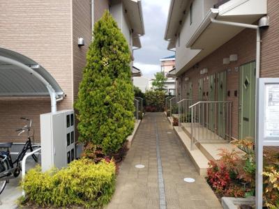緑溢れる共用部分☆神戸市垂水区 賃貸 サンフォルテ☆