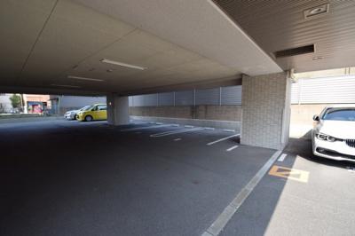 【駐車場】オーヴィジョン入江アクアテラス 1001