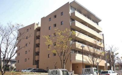 グリーンライン「北山田」駅より徒歩1分!鉄筋コンクリートの6階建てマンションです♪駅近のお部屋をお探しの方におすすめ♪