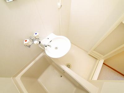 明るくて使いやすい洗面スペースです