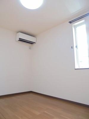 2階洋室(5帖)
