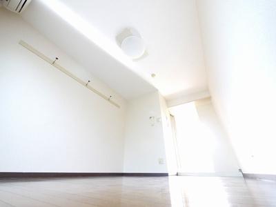 【居間・リビング】ジュネス新大宮A