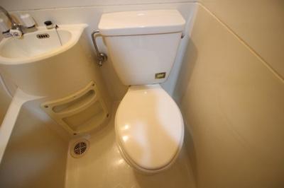 三点ユニットバス内トイレ