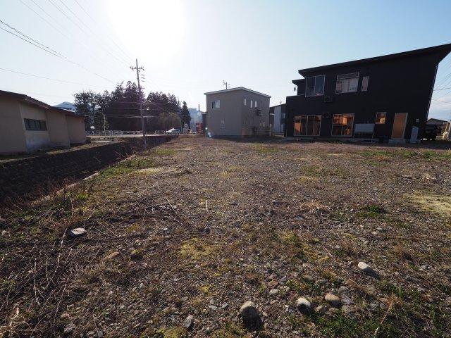 大仙市花館中町 住宅用地 150.46坪 南東側が大きく開けた、路地状部分で道路に接する土地(旗竿地)