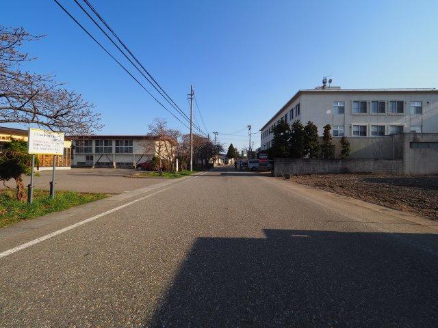 大曲小学校まで600m 大仙市大曲あけぼの町の住宅用地です
