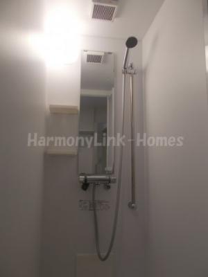 ハーモニーテラス仲宿のきれいなシャワールームです