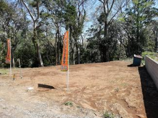 お庭やご希望の駐車方法も実現しやすい土地です♪ 自由設計地となっておりますので、ぜひ理想のお家をプラン