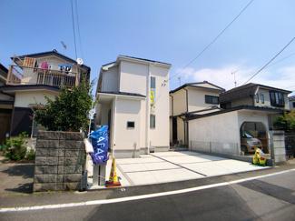 小学校まで徒歩10分でお子様の通学も安心です。千葉日大第一高校は徒歩6分で通学できます。