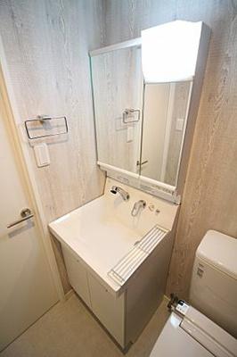 【洗面所】クレセントアパートメント