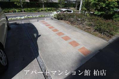 【駐車場】アンクレージュ