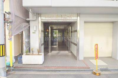 【エントランス】メゾンルミエール