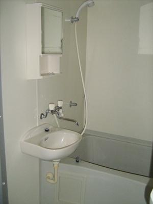 洗面のついた2点式ユニットバス