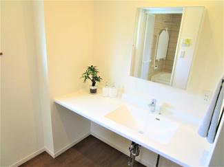 アナハイムAnaheim城西 土地 東金駅 ジブンハウス仕様 建物面積 113.45㎡ 建物価格 1608万円 広々とした洗面台は、朝の忙しい時等活躍しますよ♪