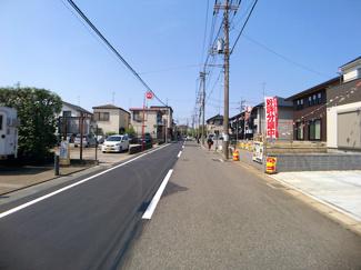 前面道路は7.6mの公道です。