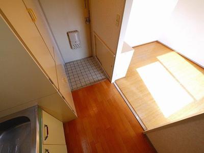 ゆとりがあるキッチンスペースです