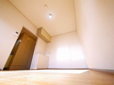 ゆとりのある洋室です