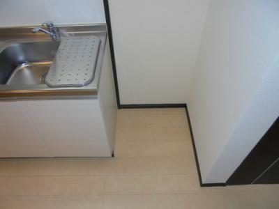 キッチン横 冷蔵庫置き場