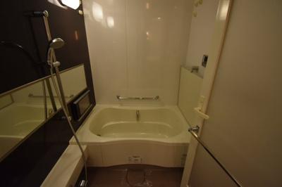 追い炊き 浴室乾燥ついてます