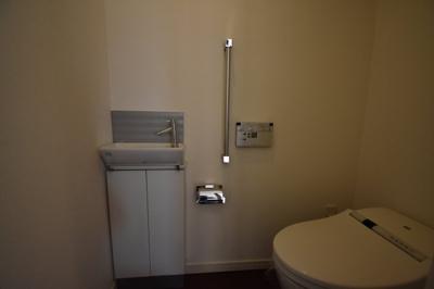 手洗い場があるトイレです。