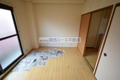 【寝室】ファースト瓢箪山