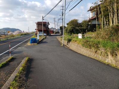 【前面道路含む現地写真】鳥取市桂木土地