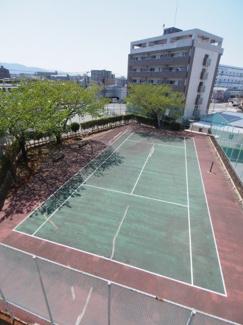 テニス好きにはもってこいの物件です!!