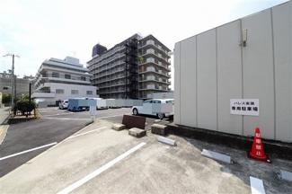 駐車場:10500円~12000円/月