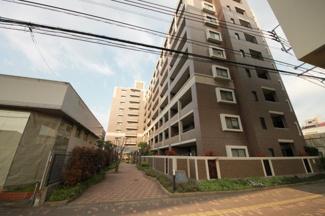 姪浜駅までは徒歩では20分くらい、バス路線もあります。白十字病院すぐそばで、ショッピング施設も充実しています【駐車場1台確保】【石丸小 徒歩2分】