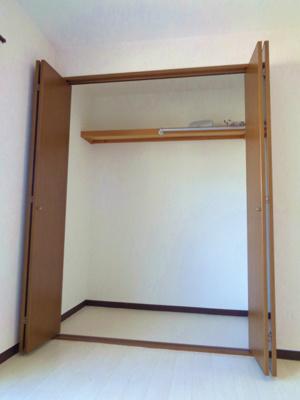 洋室6.5帖 クローゼット
