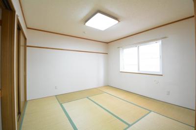 ゆったりとくつろげる和室です。寝室