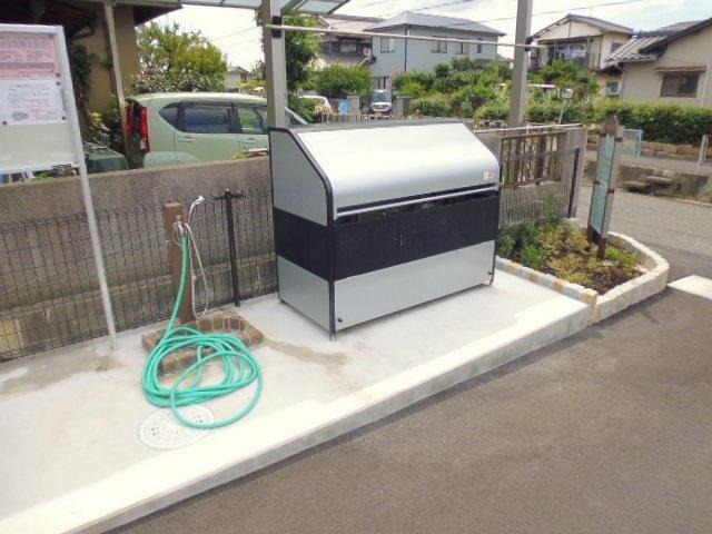 敷地内専用ゴミステーション、ペット足洗い場