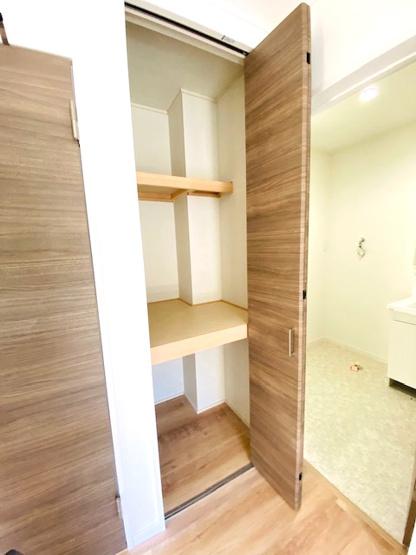 洗面所横・収納スペース