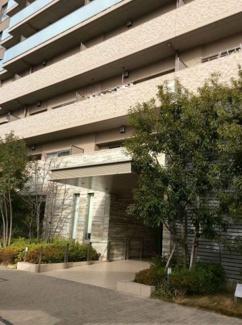 「アプローチ」駐車場、現況空きあり(駐車料金9500円~21000円/月)阪神高速松原線「駒川出入口」まで2分。スーパー徒歩2分です。