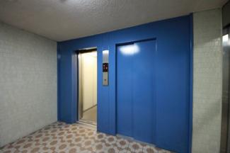 エレベーターが2基あるので便利です
