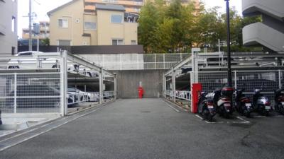 【駐車場】アンビエント千里山