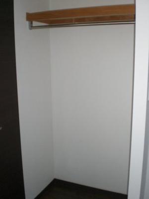 洋室にある2つ目のクローゼット