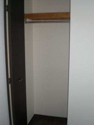 洋室にある3つ目のクローゼット